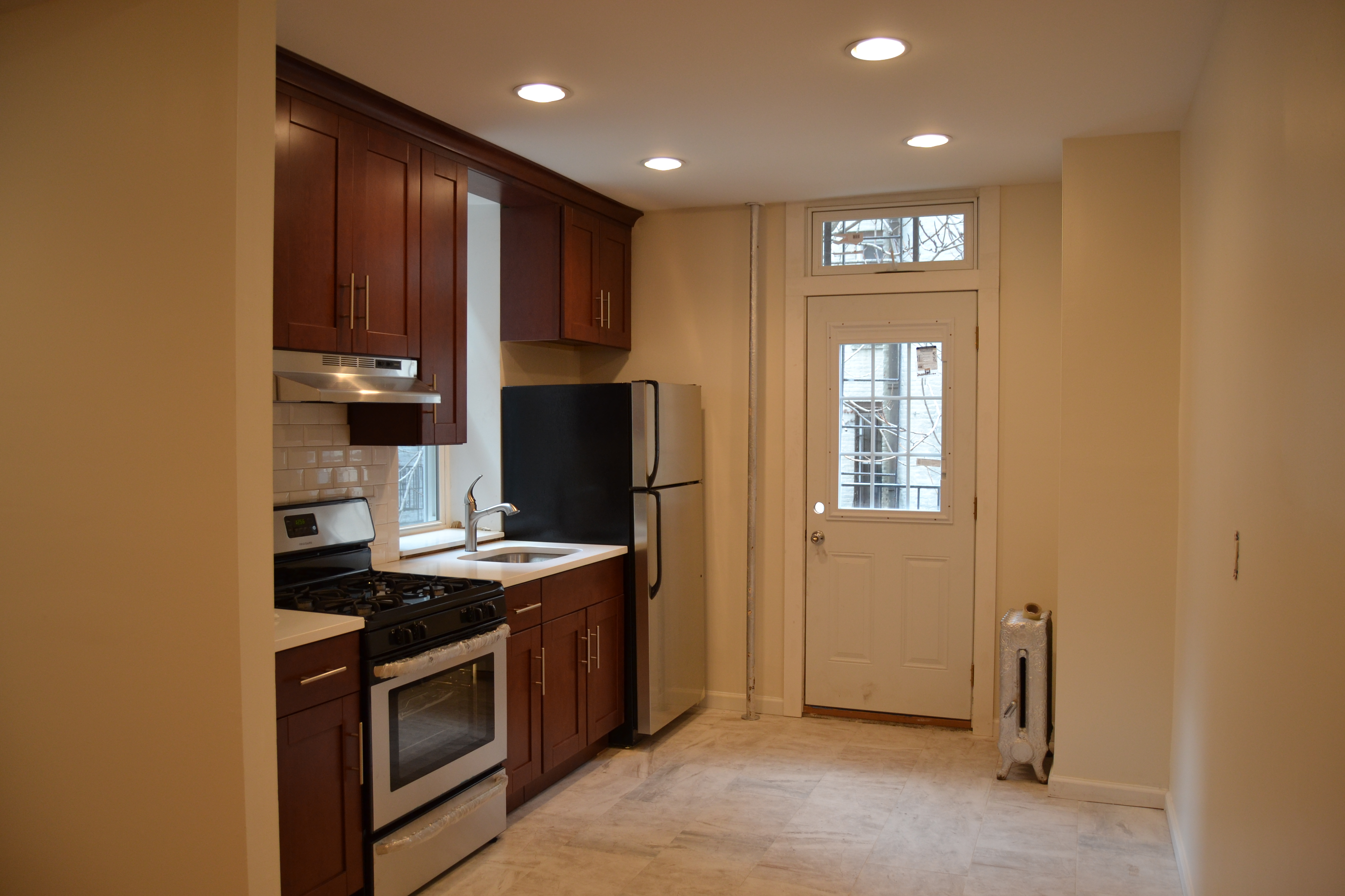 Fully Renovated 1 Bedroom Gem with Private Back Yard in the Heart of ...