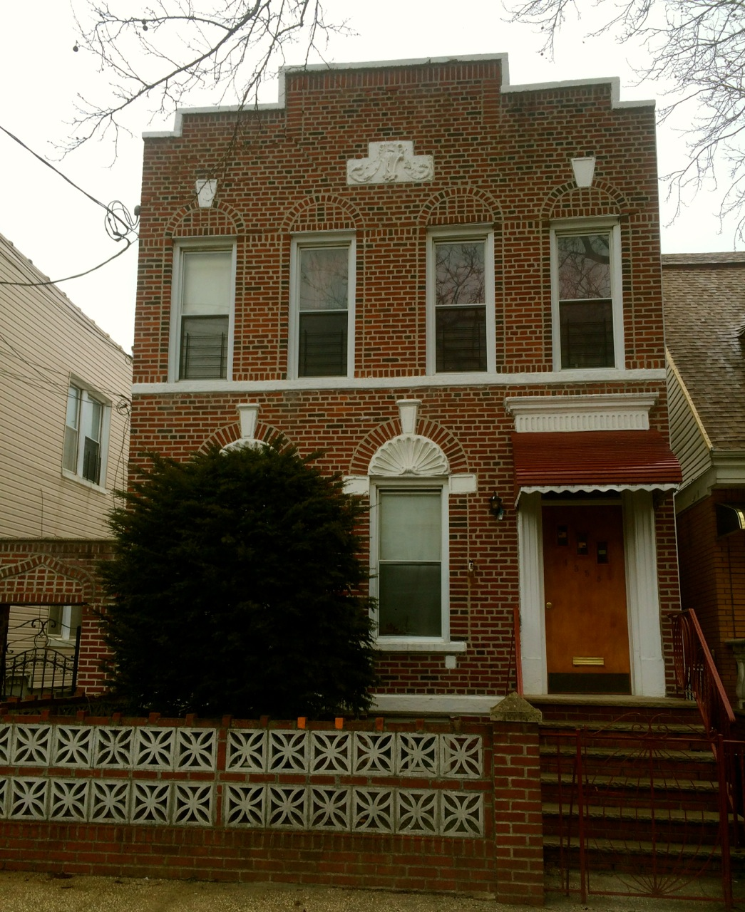 Dyker Heights 4-Family